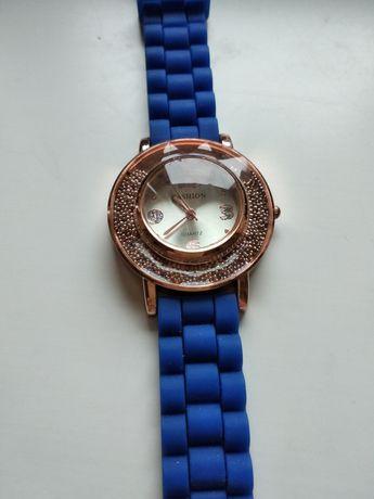 Продам новые женские наручные часы