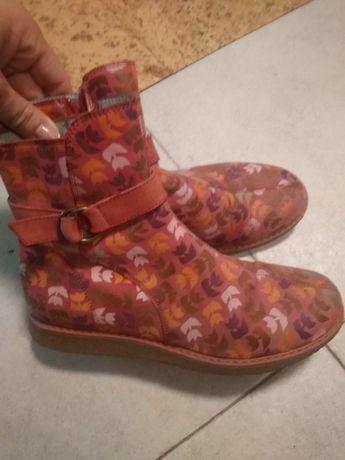 Ботинки полностью кожа 35 размер