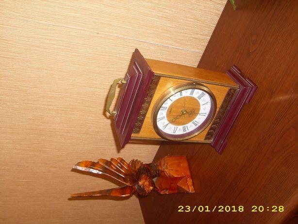 Часы Маяк старинные СССР настольные