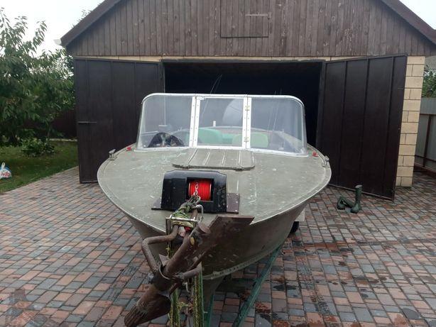 Продам лодку ПРОГРЕС 4