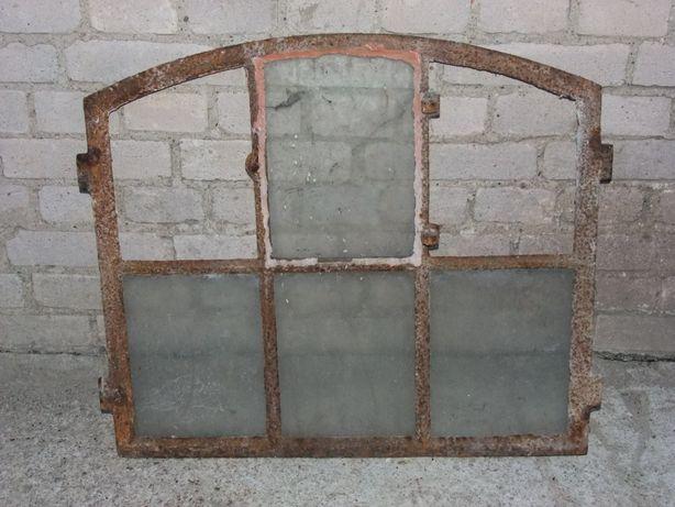 Stare okno żeliwne