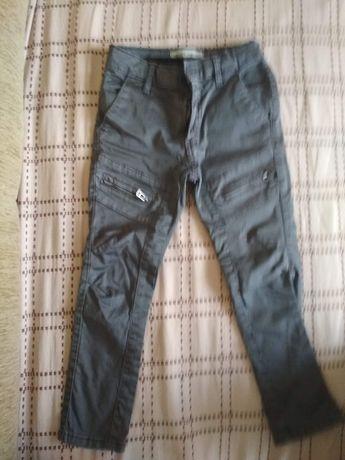 spodnie rozmiar 104 i 116