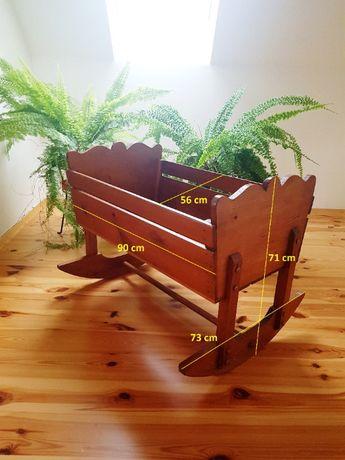 kołyska drewniana vintage dla dziecka