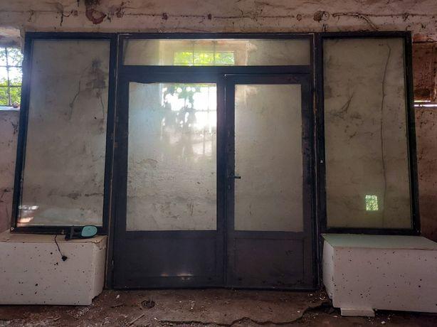 Drzwi wejściowe z bocznymi szybami