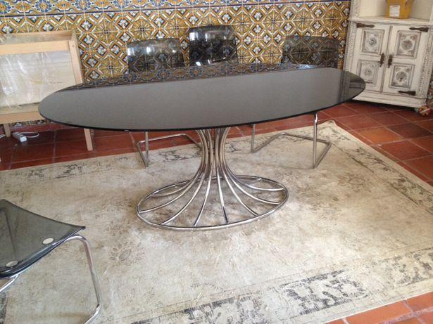 Mesa oval vintage de vidro
