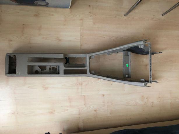 Panel /tunel przedni Audi A4