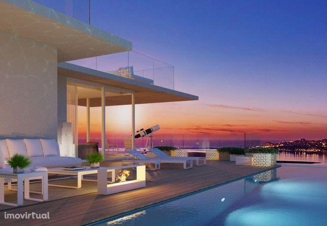 Moradia T3 ( 3 suites ) com piscina condomínio fechado de luxo