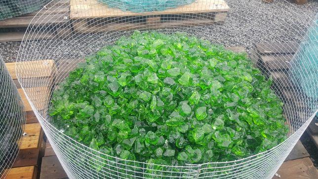 szkło butelkowe szkło zielone szklane kamienie