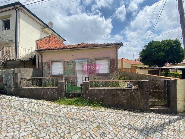 Moradia Térrea p/ Reconstruir São Mamede do Coronado ((21.16/049 ))