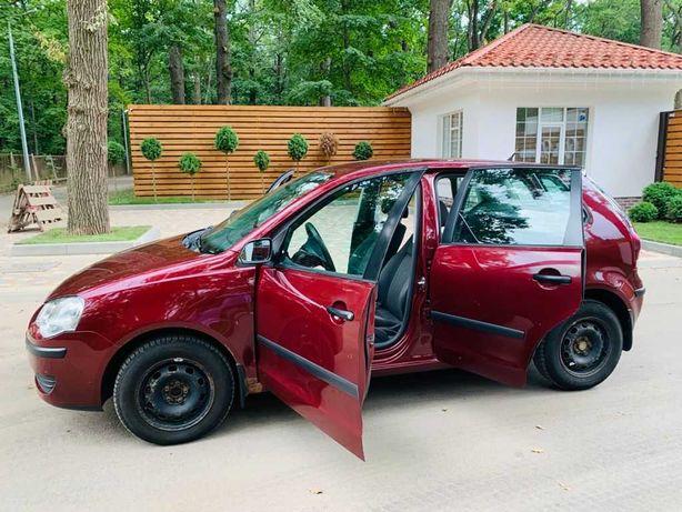 Продам автомобиль Volkswagen polo 2008 года