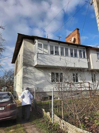 Продається  2-х  кімнатна   квартира у м Борщів (Цукровий завод )