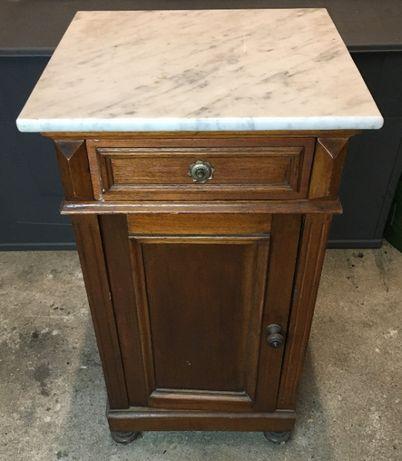 Mesa de cabeceira antiga com pedra mármore