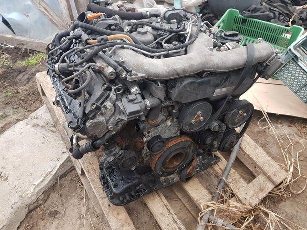 Miska olejowa Audi a4 a6 a8 3.0 TDI CCW CCWA