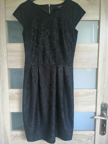 Czarna sukienka ołówkową koronka Reserved, rozmiar S