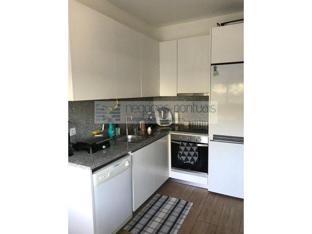 T1 Kitchenette com cozinha equipada e lugar de garagem