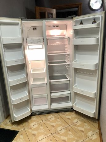 Холодильник LG 2х.дверный ноуфрост .сухой заморозки