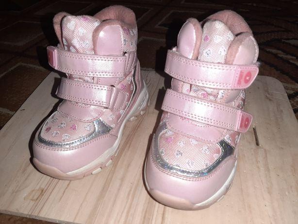 Дитяче взуття (для дівчинки)