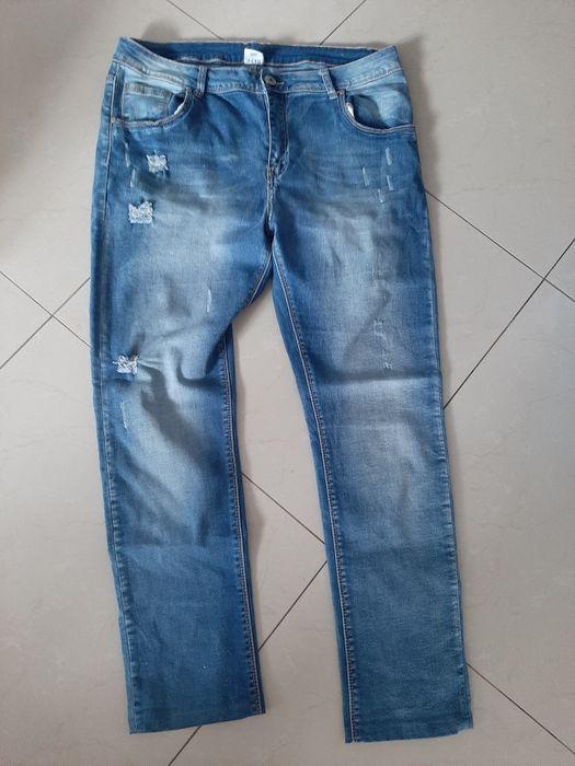 Spodnie jeansowe damskie z dziurami XXL Tarnowskie Góry - image 1