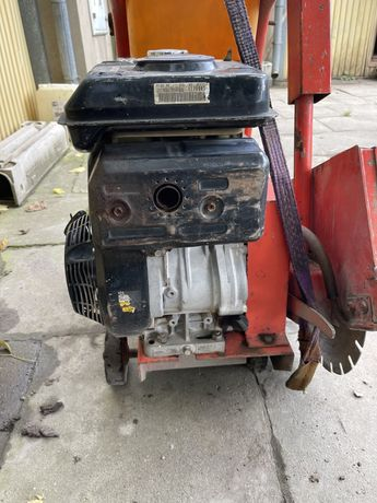 Przecinarka do betonu na wózku