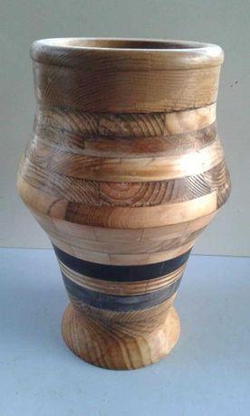 vaso segmentado em madeira reciclada , artesanato