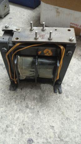 Transformator.100v