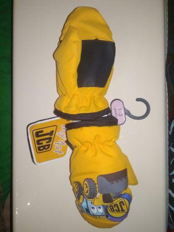 рукавицы, перчатки, варежки зимние новые с этикеткой JCB 1-3года