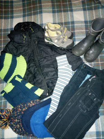 Куртка весняна шапка 2-3 роки  кросівки 29 розмір гумачки 3-4 роки