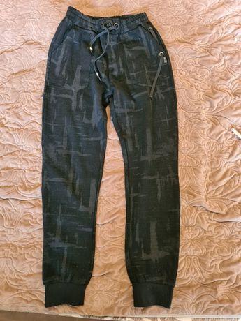 Стильные плотненькие штаны