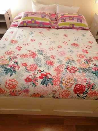 CAMA BRIMNES como nova: cama c/arrumação e estrado  branco 140x200 cm