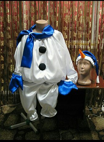 Продам костюм снеговика.