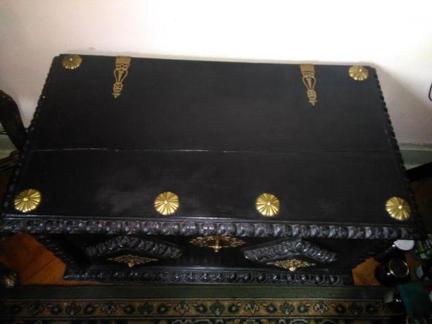 Arca Renascença Holandesa centenária com 90 X 49 X 57
