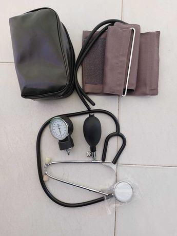 Aparelho para medir a tensão arterial (Esfingomanómetro)
