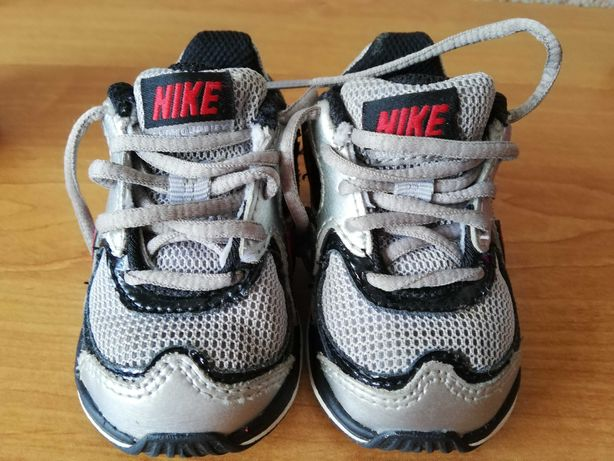 Adidasy niemowlęce Nike rozmiar 19,5