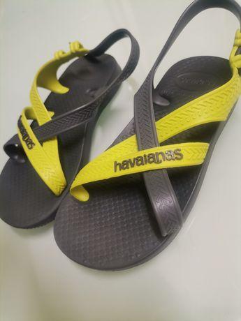 """Sapatos """"Havaianas"""" tamanho 25-26"""