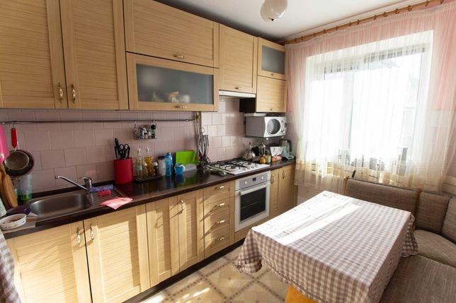 5-ти кімнатна квартира на Грушевського  район 12 школи  39500