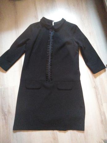 Czarna elegancka sukienka pensjonarka