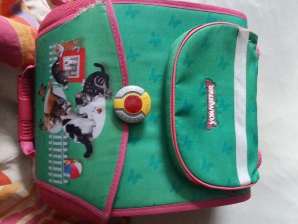 Дитячий рюкзак. Б/у. Тримає форму