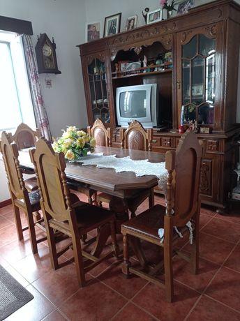 Móvel de sala, mesa e 6 cadeiras