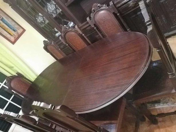 Mesa de cozinha com 8 cadeiras
