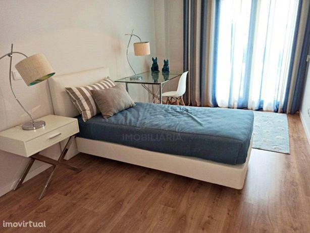 Apartamento T4 de luxo em Queijas