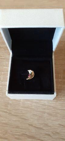 Złota wkrętka z rubinkiem