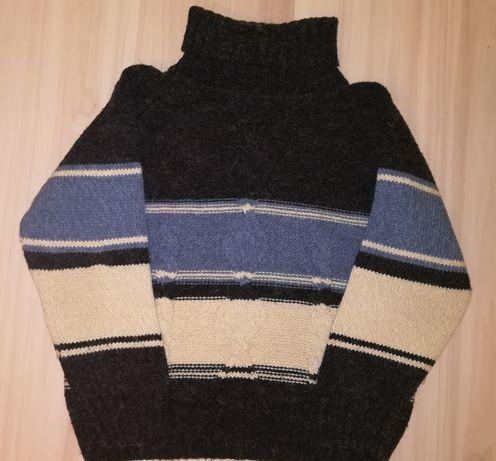 Теплый зимний свитер шерсть
