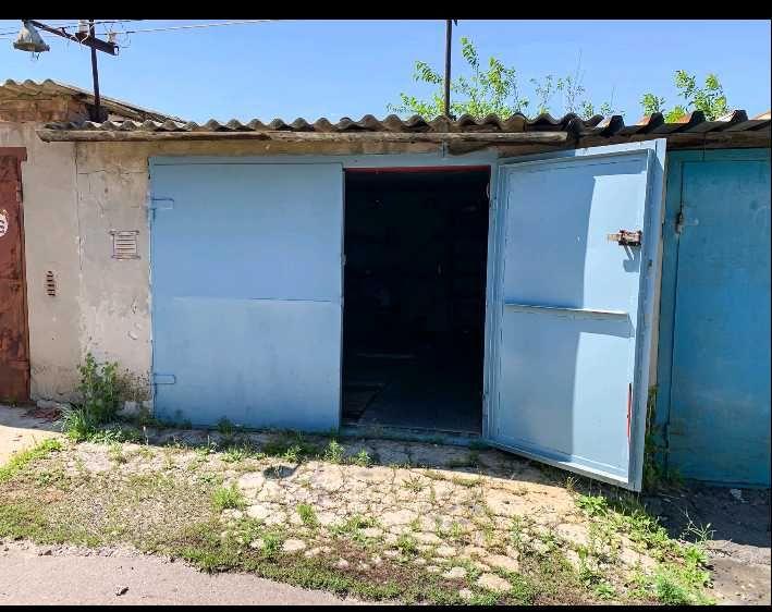 Капитальный гараж в кооперативе Донбасс, кв Южный