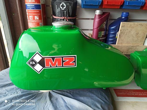 Zbiornik i boczki MZ etz 250