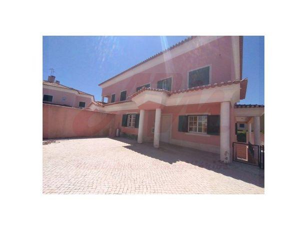 Moradia V7 em Albarraque