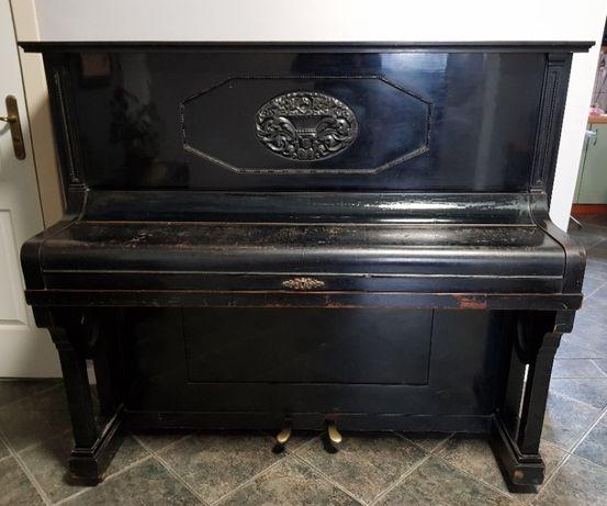 Przedwojenne, zabytkowe pianino KUHSE