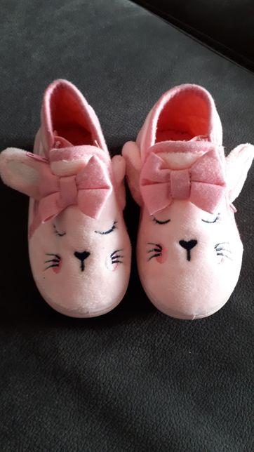 Kapcie ciepłe buciki buty 22