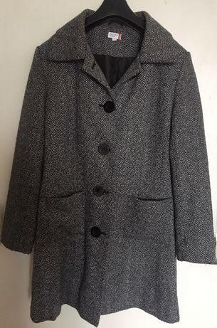 Шикарне пальто прямого крою