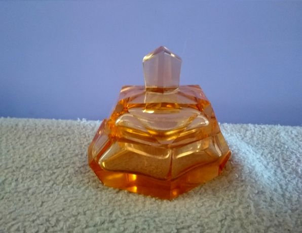 Старинная Шкатулка – пудреница, янтарное стекло
