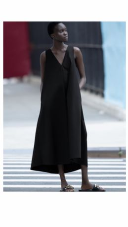 Vestido volume preto zara com bolsos xs